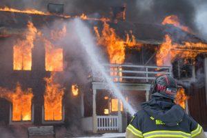 火災保険はどこまで補償してくれるの?補償範囲と費用について解説。