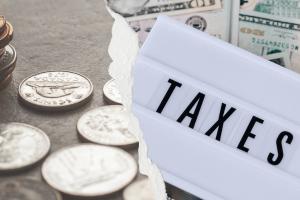 減価償却で節税対策ができなくなった?税制改正のあゆみと計算例をご紹介